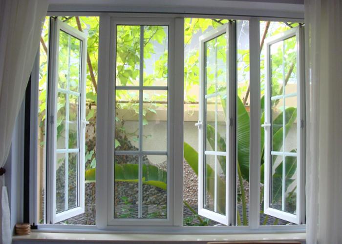 Cửa sổ mở quay 3 cánh