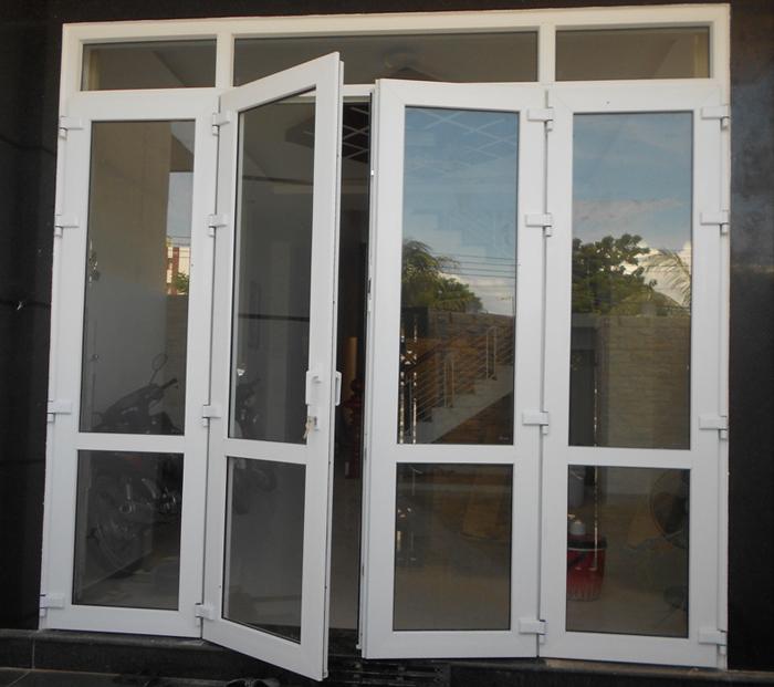 Cửa nhựa lõi thép cho cửa chính