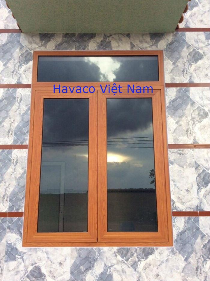 Mẫu cửa sổ nhôm Xingfa màu gỗ
