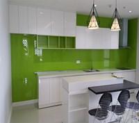 Ốp tường, bếp kính cường lực màu xanh lá cây