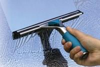 Cửa kính bị hấp hơi nước thì xử lý như thế nào