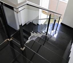 Các mẫu cầu thang tiết kiệm diện tích cho nhà ống có thể bạn chưa biết.